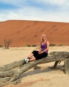 Zandduinen in Namibië met kinderen